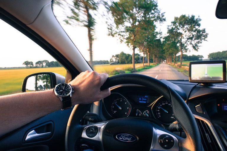 5-niezbędnych-gadżetów-dla-każdego-kierowcy